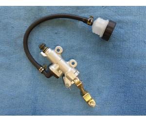 Pumpa brzdy pro ATV zavit 10 mm